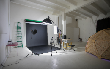 Studio photo -  video